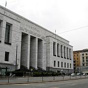 un barbat a deschis focul la tribunalul din milano cel putin un mort