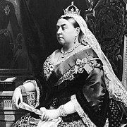 o nuvela scrisa in copilarie de regina victoria va fi publicata in marea britanie
