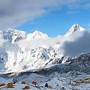 un ploiestean a scapat din infernul din nepal