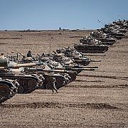 se pregateste ofensiva impotriva si turcia a adus tancuri la granita cu siria
