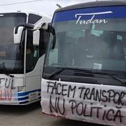 transportatorii protesteaza azi 7000 de autobuze autocare si taxiuri sunt aduse in fata cladirii guvernului