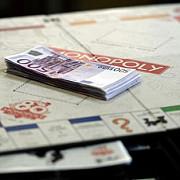 evaziune fiscala si spalare de bani cu monopoly politistii au confiscat 7000 de jocuri