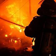 incendiu puternic la un hotel de pe malul lacului vidraru