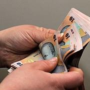 salariul minim creste la 1250 de lei de la 1 mai