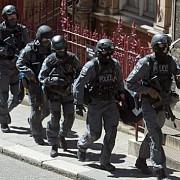 doi suspecti de terorism au fost arestati la bruxelles