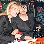 mama elenei udrea a venit sa o viziteze la arestul politiei capitalei
