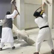 jihadistii si au devastat muzeul din mosul sculpturi din perioada asiriana au fost distruse