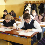 elevii revin la cursuri calendarul anului scolar