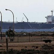 petrolier atacat cu rachete de un avion neidentificat un roman a fost ucis