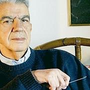 un roman este banuit ca a ucis un mare scriitor grec