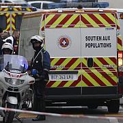 atacatorii de la charlie hebdo inconjurati de politie