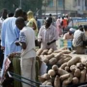 o fetita de 10 ani s-a aruncat in aer intr-o piata din nigeria 19 persoane au murit