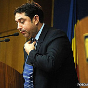 fostul ministru al internelor cristian david acuzat ca a luat mita 500000 de euro a fost arestat