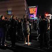nou atac in america un barbat a omorat doi oameni la cinema si s-a sinucis