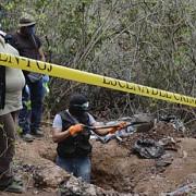 aproape 130 de cadavre descoperite in mexic