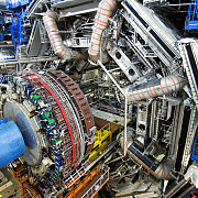 cern teoria supersimetriei pierde teren