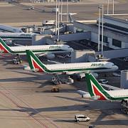 traficul a fost reluat cu dificultate pe aeroportul din roma dupa un incendiu de vegetatie