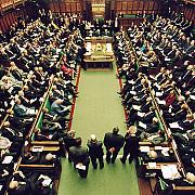 parlamentarii britanici sustin referendumul privind ramanerea in ue