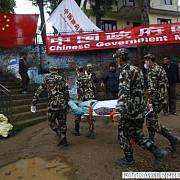 nepal scosi in viata de sub daramaturi la 8 zile de la cutremur