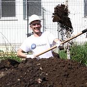 100 de angajati ai companiei p-ampg au muncit pe santierul habitat for humanity din ploiesti