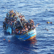ue anunta operatiuni navale in marea mediterana impotriva traficantilor