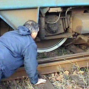 un tren de marfa a deraiat in apropiere de sighisoara ce trenuri de calatori vor avea trasee deviate