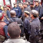 explozie la o mina de carbune din donetkoficiali locali peste 30 de oameni au murit