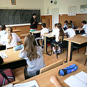 rezultatele simularii examenului de evaluare nationala jumatate din elevi au luat peste 5