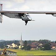avionul solar impulse 2 a inceput primul tur al lumii fara carburant