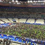 paris unul dintre atentatorii sinucigasi a incercat sa intre la meciul franta-germania
