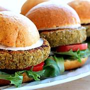 hamburgerul de quinoa alternativa la carnea rosie