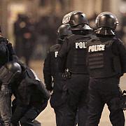 interventie la saint-denis o femeie kamikaze si-a detonat centura exploziva un suspect s-a baricadat