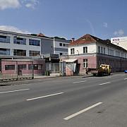 terenurile si cladirile fostei fabrici poiana din brasov scoase la vanzare
