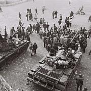 mai multi fosti revolutionari au fost despagubiti de cedo pentru nesolutionarea dosarului revolutiei din 1989