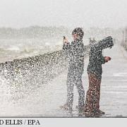 franta 13 persoane au murit in urma furtunilor violente care au cuprins coasta de azur