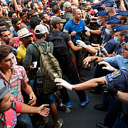 haos in gara keleti din budapesta imigrantii au fost evacuati