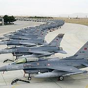 turcia a bombardat masiv pozitii al kurzilor pkk din nordul irakului