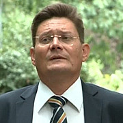 cauza mortii lui balasescu lovit cu vaza in cap si sugrumat cu coliere din plastic