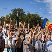 proteste de amploare in chisinau zeci de mii de oameni au cerut demisia presedintelui