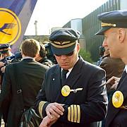 lufthansa paralizata de greva pilotii protesteaza impotriva reducerii costurilor