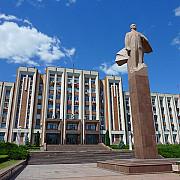 noi tensiuni moldova-rusia atasatul militar rus la chisinau a participat la parada independentei din transnistria