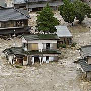 video inundatii catastrofale in japonia 150000 de oameni au primit ordin de evacuare