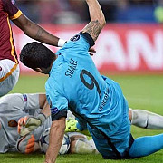 barcelona egal la roma dinamo zagreb o invinge pe arsenal rezultatele ligii campionilor