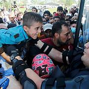 40 de politisti croati care insoteau imigranti au fost dezarmati in ungaria