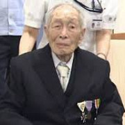 japonia are 10 milioane de oameni cu varsta de peste 80 de ani