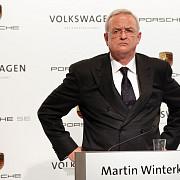 valoarea de piata a companiei volkswagen s-a prabusit presedintele ar putea fi demis de actionari