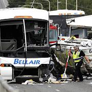 accident ciudat in seattle un autobuz amfibie a intrat in coliziune cu un autocar 4 studenti au murit