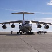 rusii nu glumesc avioane cargo escortate de avioane de vanatoare aterizeaza zilnic in siria