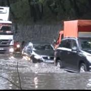 trafic ingreunat pe dn1 la sinaia din cauza ploilor