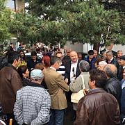 primarul interimar cristian ganea in mijlocul ploiestenilor din malu rosu